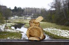 Conejo de madera, Lituania, Rumsiskes Fotografía de archivo