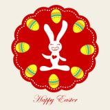 Conejo de Pascua con los huevos de Pascua Foto de archivo libre de regalías