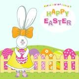 Conejo lindo con el huevo de Pascua.