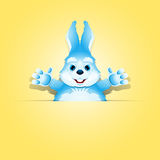 Conejo lindo en el bolsillo de papel Imagen de archivo