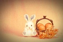 Conejo retro de pascua Fotos de archivo