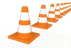 Cones alaranjados da construção do tráfego da estrada com as listras brancas isoladas imagem de stock