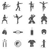 Ícones brancos pretos das artes marciais ajustados Imagens de Stock Royalty Free