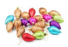 Cones da decoração do Natal no branco Fotografia de Stock Royalty Free