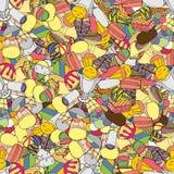 Cones de gelado da morango, do chocolate, da baunilha e do pistachio sobre o fundo branco Imagem de Stock