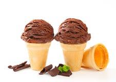 Cones de gelado de chocolate Fotografia de Stock Royalty Free