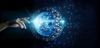 Conexão de rede global da mão e de intercâmbio de dados tocantes fotos de stock
