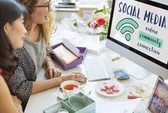 A conexão de uma comunicação dos trabalhos em rede compartilha do conceito das ideias fotos de stock royalty free