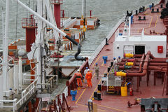 Conexão do braço da carga na embarcação Imagem de Stock Royalty Free