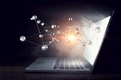 Conexão e trabalhos em rede sociais Meios mistos Foto de Stock