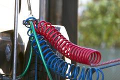 Conexión coloreada de las mangueras semi del camión grande Imágenes de archivo libres de regalías