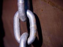 Conexión de cadena - metal aherrumbrado Foto de archivo libre de regalías