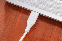 Conexión del cable del USB Foto de archivo libre de regalías