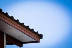 Conexión estándar del detalle de las tejas de tejado Fotos de archivo libres de regalías