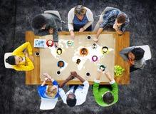 Conexión social Conce del establecimiento de una red de la comunidad de la gente global del mundo Imagen de archivo