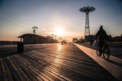Coney Island hoppa fallskärm hopp Royaltyfri Bild