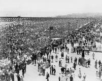 Coney Island, NY, o 4 de julho de 1936 (todas as pessoas descritas não são umas vivas mais longo e nenhuma propriedade existe Gar Fotos de Stock