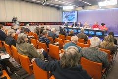 Conférence de presse consacrée à la coupe du monde de surf des neiges photo libre de droits