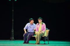 Confabulate- den historiska stilsången och dansa magisk magi för dramat - Gan Po Royaltyfri Foto