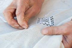 Confecção de malhas sênior da mulher Imagens de Stock Royalty Free