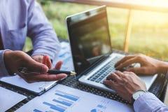 Conferência de funcionamento do Co, equipe do negócio que encontra o presente, acionista e imagem de stock royalty free
