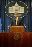 Conferência de imprensa comum de PM sérvio Vucic e comissário europeu Hahn Imagens de Stock Royalty Free