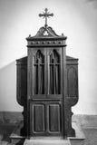 Confesonario, el blanco y negro Fotos de archivo libres de regalías