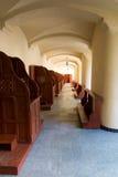 Confesonarios vacíos, un lugar del arrepentimiento y conversión inter Fotos de archivo libres de regalías