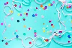 Confeti colorido del partido con el espacio de la copia Imágenes de archivo libres de regalías
