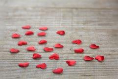 Confeti en forma de corazón Imagenes de archivo