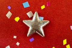 Confeti grande del withdiffernt de la estrella en un fondo del rad Foto de alta resolución Fotos de archivo libres de regalías