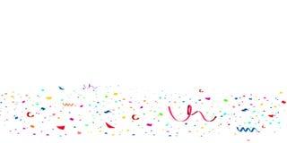 Confeti rojo brillante del brillo que cae, celebración de las estrellas, serpentina Vuelo de papel de la dispersión del confeti c stock de ilustración