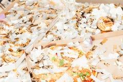Confetti шампанского пиццы беспорядка партии остаток стоковая фотография