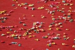 Confettien die op vloer worden verspreid Royalty-vrije Stock Afbeelding