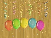 Confettienhulp het schilderen op geproduceerde houten textuurachtergrond Royalty-vrije Stock Afbeeldingen