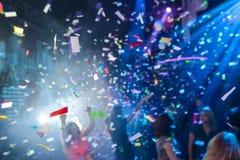 Confettis dans une boîte de nuit Photographie stock libre de droits