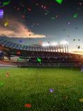 Confettis et tresse de coucher du soleil de stade avec des fans de personnes 3d rendent l'illustration nuageuse Photo libre de droits