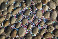 Confetts på jordningen Arkivbilder