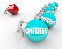 Confiança contra vitórias da atitude positiva da competição da raça da dúvida boas Fotos de Stock Royalty Free