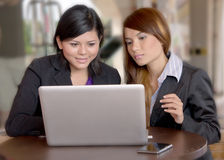 Confidence of young Asian businesswomen. Working and discussion outside Royalty Free Stock Photography