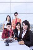 Confident business team in office Royalty Free Stock Photos