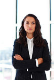 Confident businesswoman with folded arms Royalty Free Stock Photography