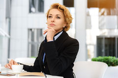 Confident businesswoman making serious decision Royalty Free Stock Photos