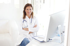 Confident female doctor Royalty Free Stock Photos