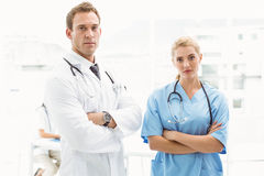 Confident male and female doctors Royalty Free Stock Photos