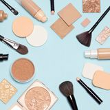 Configuração lisa dos produtos de composição da fundação com espaço da cópia Foto de Stock
