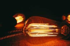 Configurações dos bulbos de Edison Equipamento da eletricidade foto de stock royalty free