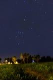 Configuración de la constelación de Orion en la oscuridad Imágenes de archivo libres de regalías