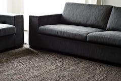 Configuración de la manta del cáñamo y del sofá de la tela Imagen de archivo libre de regalías