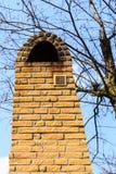 Configuración Exterior de la chimenea del ladrillo rojo Fotos de archivo libres de regalías